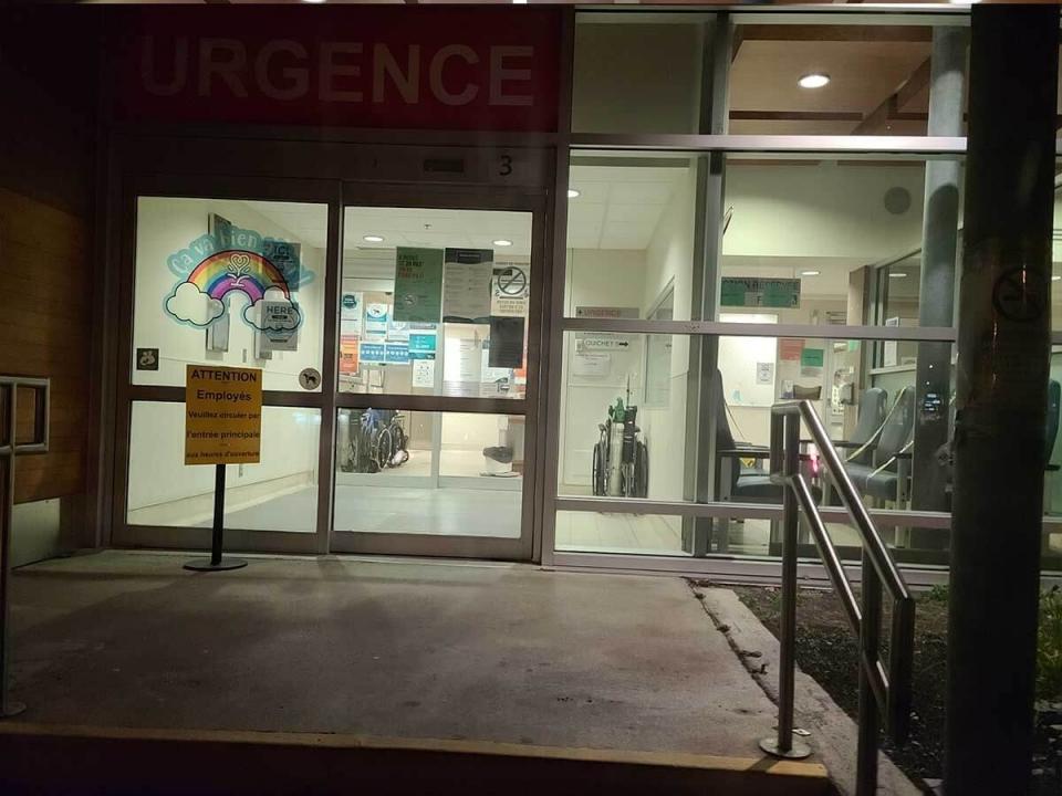 Photos de l'Urgence de magog, Qc, ce soir le 11-10-20,  aucun patient a l'Urgence  voila la photo,   il n'y a pas de pandemie,  surement une mauvaise grippe mais pas aussi terrible  que la camapagne de PEUR le vend!
